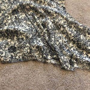 ivy jane Dresses - Ivy Jane embroidered print dress
